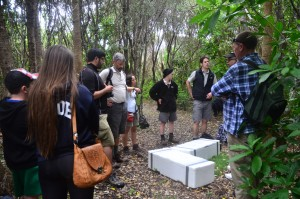 Chris Green from DoC and the Auckland zoo team briefing MRS members about the translocation of Wetapunga.